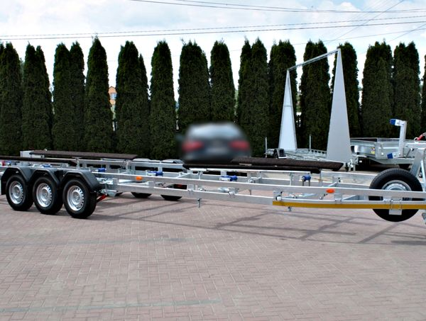 Motorboat trailers